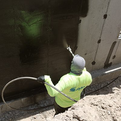 Project_short_schedule_requiring_quick_application_use_pump_system_spraying_400x400